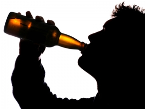 beer_alcohol_binge_drinking_silhouette_2_3_4_N2